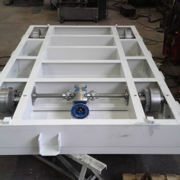 Motorized carriage for moving marble or granite blocks
